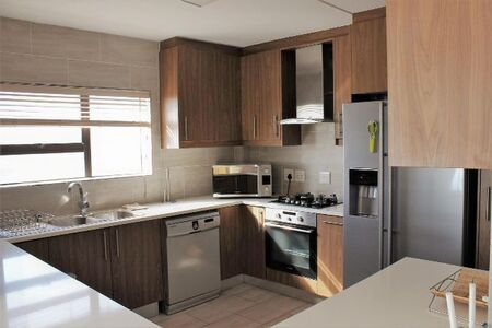 We Have This Beauty! 3 Bedroom Apartment/Flat to Rent in Strand North