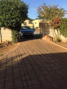 3 Bed House in Campher Park
