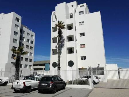 3 Bed Apartment in Waves Edge