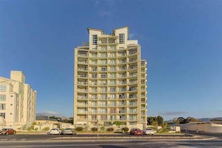 1 Bed Apartment in Strand South