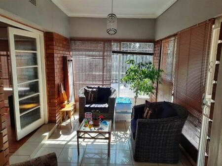 3 Bed House in Monument