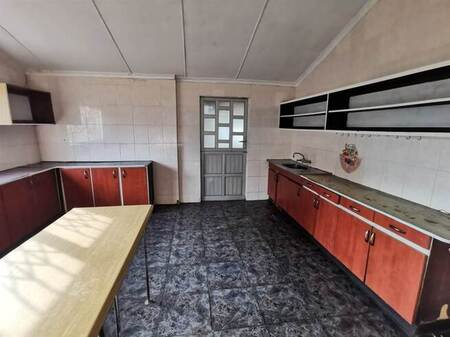 3 Bed Apartment in Chatsworth Central