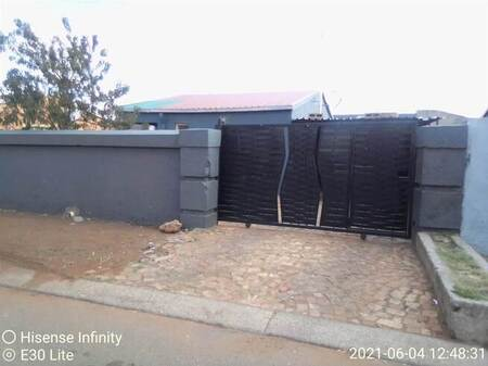 3 Bed House in Protea Glen