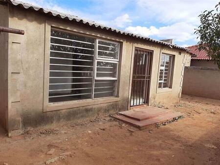 2 Bed House in Soweto Central