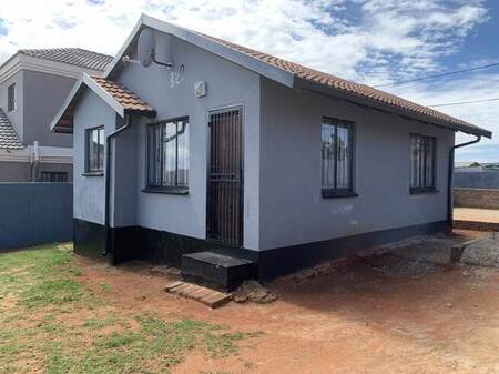 2 Bed House in Dobsonville