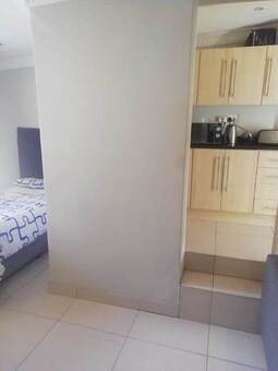 1 Bed Apartment in Greenside