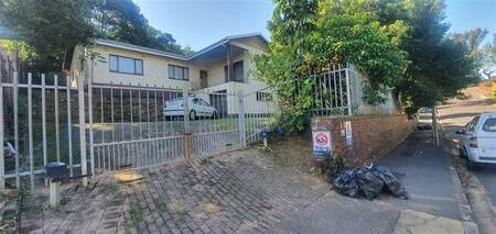 4 Bed House in Carrington Heights