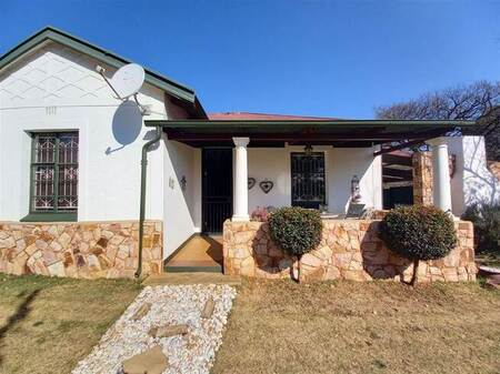 2 Bed House in Rensburg