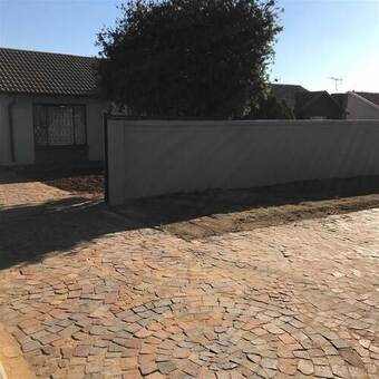 2 Bed House in Kagiso