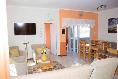 2 Bed Apartment in Kleinmond