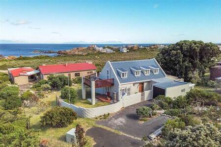 3 Bed House in Rooi Els
