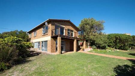 4 Bed House in Rooi Els