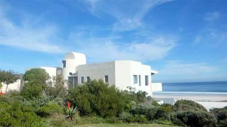 5 Bed House in Pringle Bay