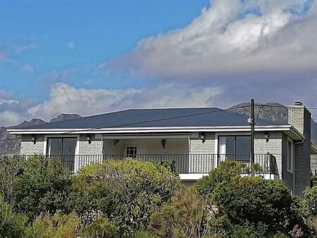 3 Bed House in Pringle Bay