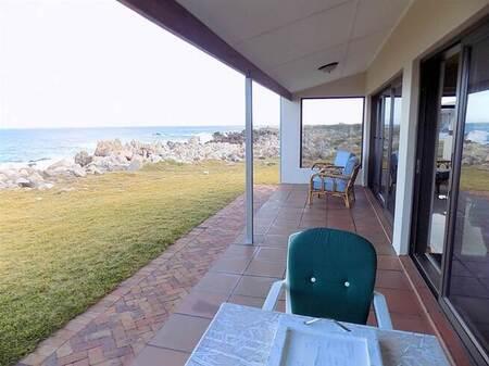 4 Bed House in Pringle Bay
