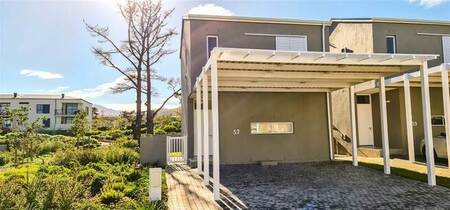 2 Bed Townhouse in Somerset Lakes