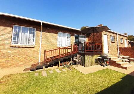 2 Bed Townhouse in Amberfield Heights