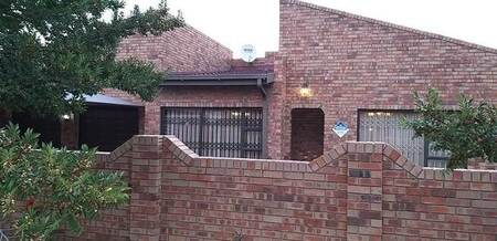 3 Bed House in Morelig