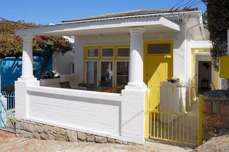 3 Bed House in Kalk Bay