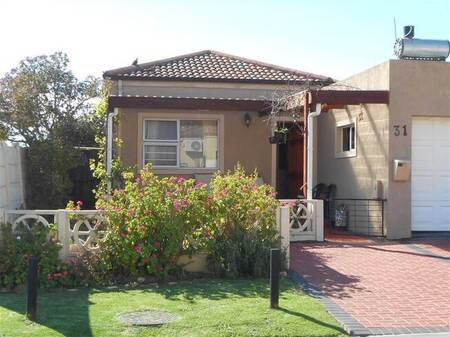 2 Bed Townhouse in Admirals Park