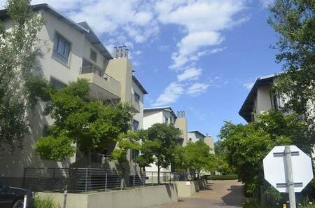 2 Bed Townhouse in Somerset West Central