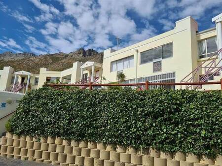 2 Bed Apartment in Mountainside