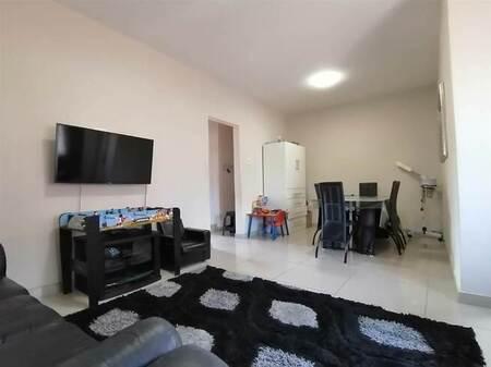 2 Bed Apartment in Isipingo Beach