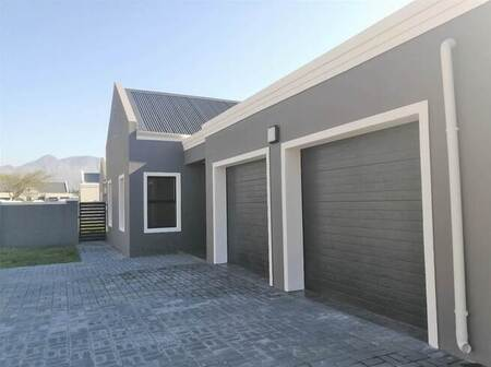 3 Bed House in Admirals Park