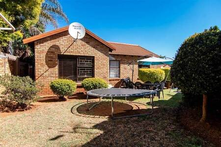 3 Bed Townhouse in Wilgeheuwel