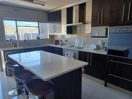 2 Bed Townhouse in Goodwood