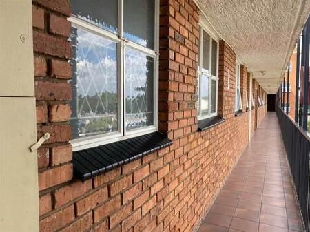 2 Bed Apartment in Rietfontein