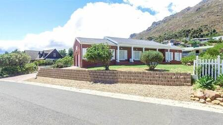 3 Bed House in Mountainside