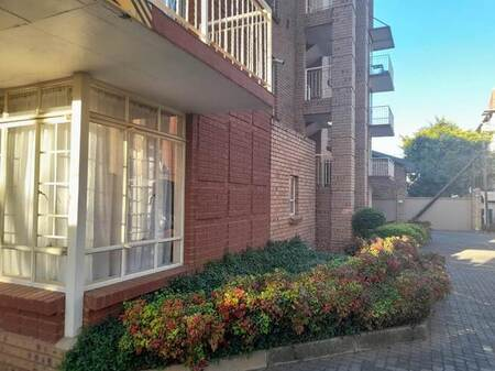 Bachelor apartment in Hatfield