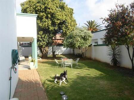 3 Bed Townhouse in Randfontein Central