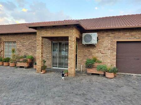 1 Bed Townhouse in Robin Park