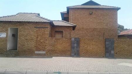 2 Bed Townhouse in Elspark