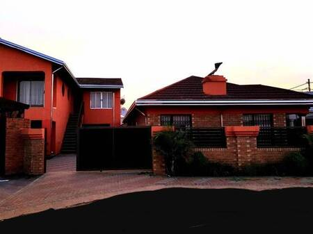8 Bed House in Mamelodi East