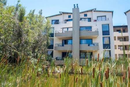3 Bed Apartment in Somerset West Central