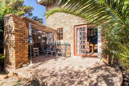 3 Bed House in Gordons Bay Central