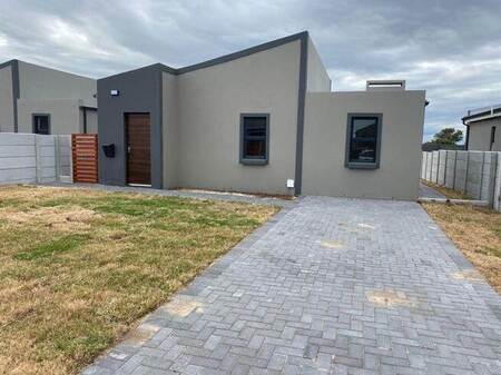 2 Bed Townhouse in Parsons Vlei