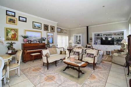 3 Bed Townhouse in Somerset Ridge