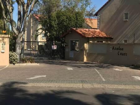 2 Bed Townhouse in Die Hoewes