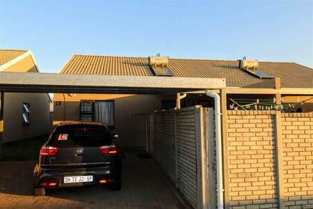 3 Bed Townhouse in Gonubie