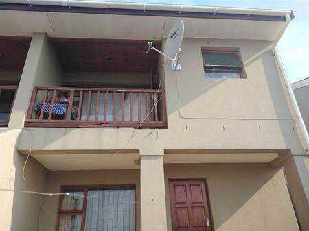 3 Bed Townhouse in Charleston Hill