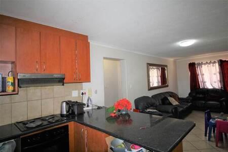 3 Bed Apartment in Van Der Stel