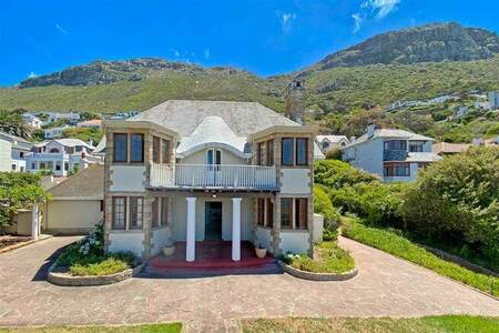 4 Bed House in St James