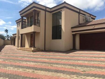 5 Bed House in Rayton
