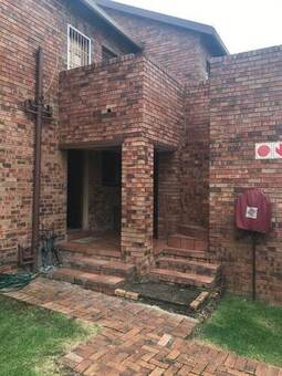3 Bed Townhouse in Elspark