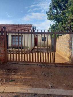 7 Bed House in Mamelodi East