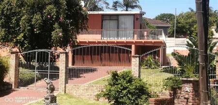 4 Bed House in Beacon Bay